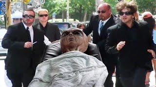 Download MIB Alien Prank In Real LIfe Video