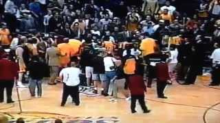 Download Reggie Miller and Kobe Bryant fight 2002 Video