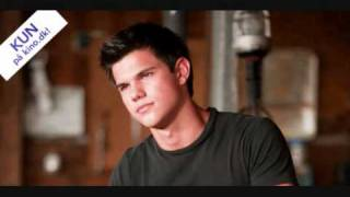 Download Taylor Lautner singing Apologize Video