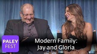 Download Modern Family - Making Jay and Gloria a Convincing Couple Video