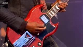 Download Amazing Performance by Gary Clark Jr. - When My Train Pulls In Video