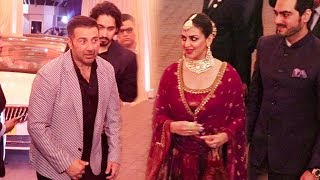 Download Sunny Deol IGNORES Sister Esha Deol At Isha Ambani's MARRIAGE Reception Video