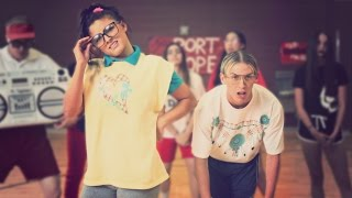 Download HIGH SCHOOL DANCE BATTLE III - GEEKS VS JOCKS! // ScottDW - Out My Mind Video