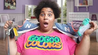 Download MOM PUT ON YOUR SHOES! GOO GOO COLORS CLOTHING SKIT FOR KIDS Video