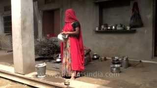Download Women cook wearing ghungat or veils : Rajasthani village of Sonkhaliya Video