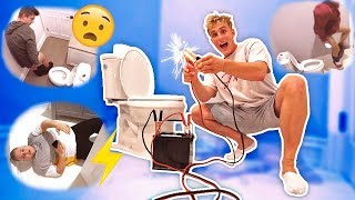 Download ELECTRIC TOILET SEAT PRANK (DON'T SIT DOWN) Video