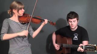 Download Hungarian Folk Songs ″Szep asszonynak kurizalok″ ″Gyorscsardas″ Video