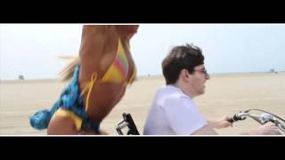 Download Geek meets Body Builder Video
