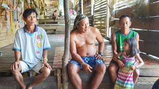 Download FIRST TIME AT AN IBAN LONGHOUSE - Batang Ai, Borneo Video