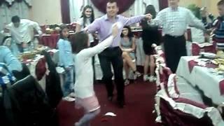 Download Devojcica igra zavrzlamu OFFICIAL VIDEO Restoran ALDI Rozaje 25.12.2011. Video