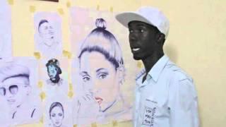 Download Chriss Renny - Mchoraji aliyejipatia umaarufu kwa kuchora picha za mastaa Video