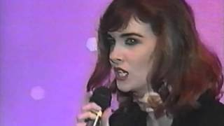 Download Cathy Dennis at the WMAs Video