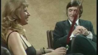 Download Helen Mirren - The sexist Parkinson's interview [1/2] Video