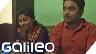 Download Zwangsehe in Indien: Sanchoy rettet das Leben dieser Paare | Galileo | ProSieben Video