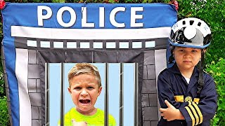 Download Diana and Roma Pretend Play Police Video