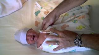 Download How to adorably swaddle your newborn baby Video