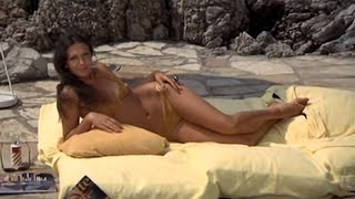 Download Diamonds Are Forever - 007 Pre Title Sequence #7 Video