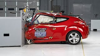 Download 2014 Hyundai Veloster driver-side small overlap IIHS crash test Video