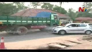 Download Exclusive visuals of terrible Road Accident at Karnataka Video