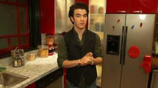 Download Jonas Brothers Behind The Scenes At the JONAS House - From Celebuzz Video