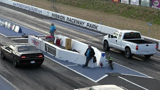 Download U didn't expect that !! Hellcat vs Ford pickup truck-drag race Video