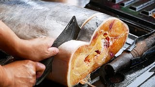 Download Thai Food - GIANT CATFISH CUTTING Aoywaan Bangkok Thailand Video
