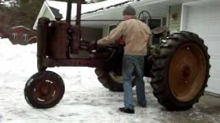 Download 1941 John Deere B Hand Start Video