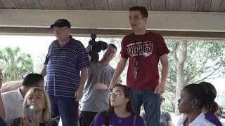 Download Student steps in when Parkland community meetup gets heated Video