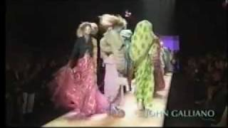Download John Galliano Spring-Summer 2003 - Full Show Video