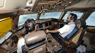 Download PIA Pakistan International Airlines London to Karachi from B777 flight deck Video