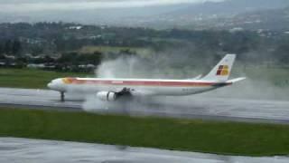 Download IBERIA 340-600... ATC MROC, Costa Rica... Video