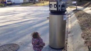 Download Rayna meets a ″robot″. Video