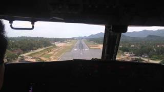 Download B737- 400 cockpit view landing at Koh Samui Video
