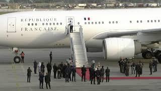 Download Arrivée du Président français Emmanuel Macron à Abidjan pour une visite officielle Video