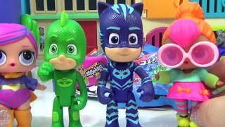 Download PJ MASKS TRANSFORMING PLAYSET Connor, Greg and Amaya Transform Into Catboy, Gekko and Owlette Video