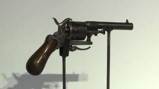 Download Verlaine tenta de tuer Rimbaud en 1873: le revolver aux enchères Video