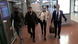 Download EXCLUSIVE: Gigi Hadid arriving in Paris for the 2016 Victoria Secret fashion show Video