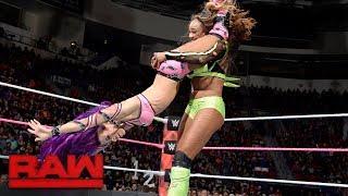Download Bayley vs. Sasha Banks vs. Alicia Fox - Triple Threat Match to be Team Captain: Raw, Oct. 23, 2017 Video