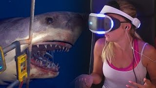 Download GIRLFRIEND PLAYS SHARK ATTACK ON PLAYSTATION VR Video