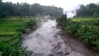 Download Lahar Panas Kelud Video