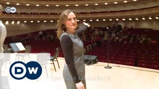 Download Mythos Carnegie Halll | Sarah's Music Video