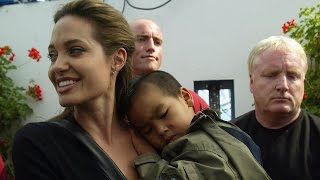 Download Angelina Jolie Gets Candid About Brad Pitt Split Says 'Of Course' He's a Good Father Video