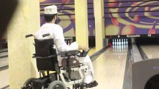 Download تجربة طالب في استخدام الكرسي الكهربائي - جامعة السلطان قابوس #يومك الدراسي بالكرسي الكهربائي Video