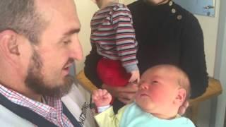 Download Ezan novorođenčetu iz Čečenije. Video