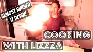 Download ALMOST BURNT IT DOWN!! COOKING WITH LIZZZA | Lizzza Video