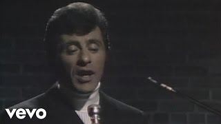 Download Frankie Valli - Can't Take My Eyes Off You (Live) Video