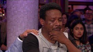 Download Vader breekt bij verhaal over gewurgd zoontje (7) - RTL LATE NIGHT Video