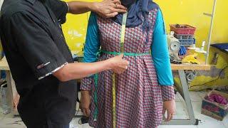 Download Cara mengukur pakaian wanita. Video