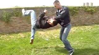 Download REAL STREET FIGHT Video