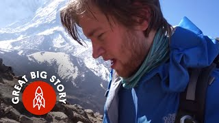 Download Climbing Mount Everest at 22 Years Old Video